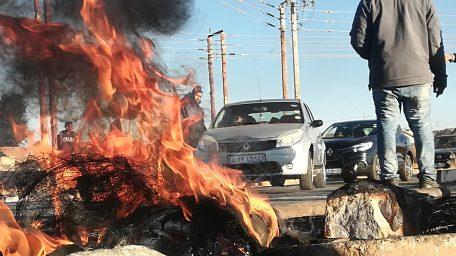 Protesters haunts motorists